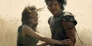 Kit Harrington and Emily Browning have a burning love affair in Pompeii.